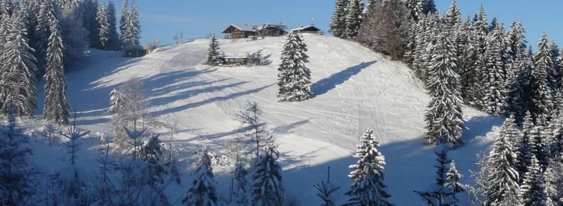 Weitblicke und Hüttenfeeling: Die Skitour auf den Buchenberg