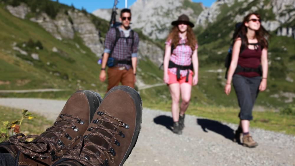 Vom idyllischen Faulenbacher Tal über die Ländescharte nach Österreich und wieder zurück